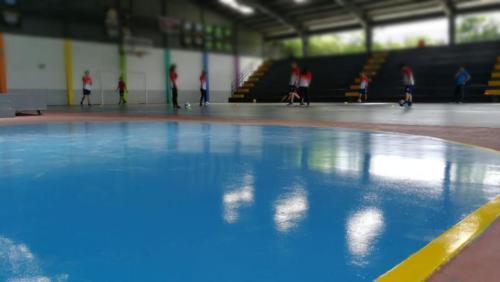 ECS-HERMETIC-Gimnasio-Cancha-Basket-1